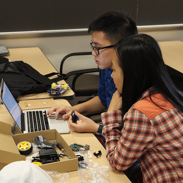 Rutgers Global - China Office Programs, Students in Robotics Class